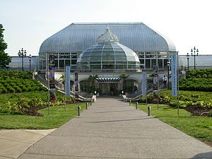 Jack Buncher Foundation Gives the Gift of a Special Free Admission Day at Phipps